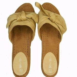 Women's Bow Tie Cushioned Slip-On Slipper Sandals